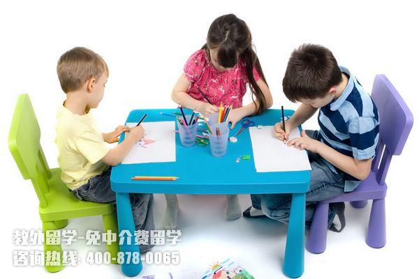 在新加坡上小学要花多少钱