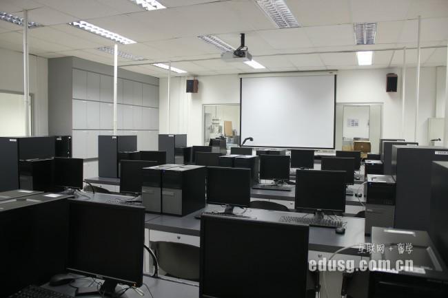 新加坡研究型硕士和授课型硕士哪个难申请