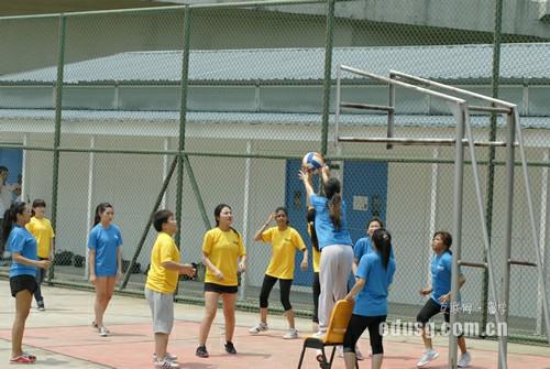 在新加坡上小学一年学费多少
