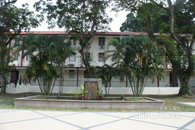 新加坡酒店管理专业好移民吗