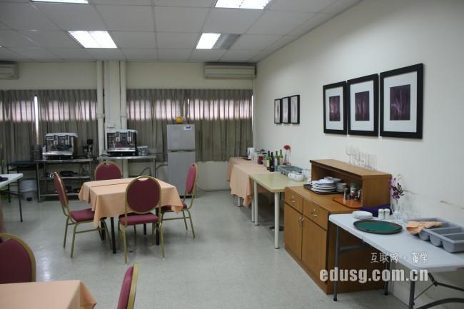 新加坡预科学费:新加坡莱佛士音乐学院预科课程