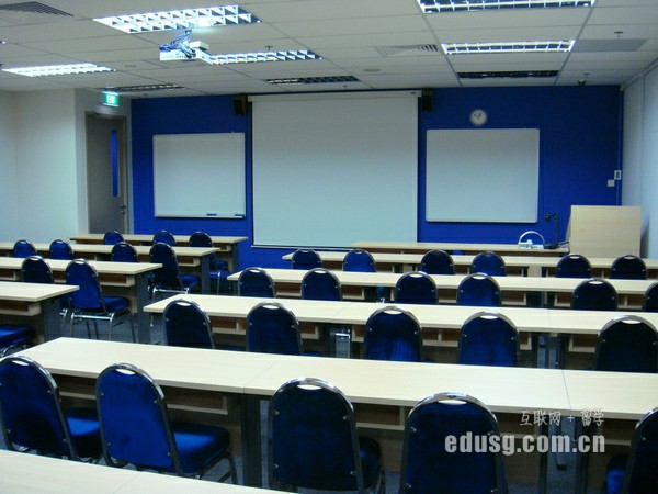 新加坡理工学院是几本