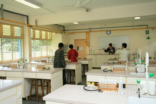 在新加坡留学