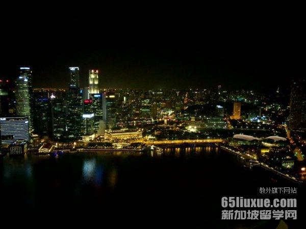小孩怎样才能去新加坡上学
