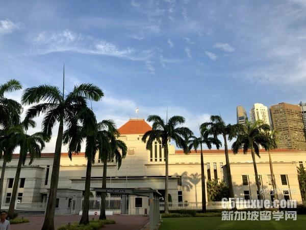 高考可以考新加坡大学