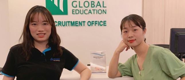 环外留学应邀访问新加坡管理学院