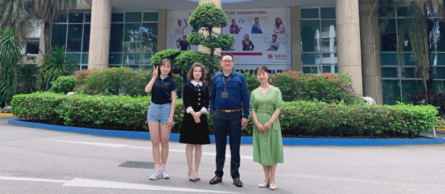环外留学应邀访问新加坡管理发展学院